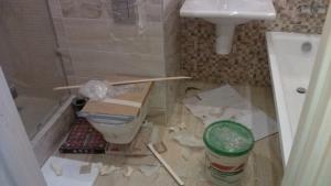 Уборка квартиры после ремонта от Clean House, санузел до уборки