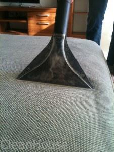 Химчистка углового дивана на дому от Clean House