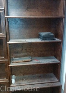 Мебель до уборки клининговой компанией CleanHouse