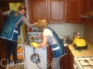 Мытьемокроволновки сотрудниками клининговой компании Clean-house
