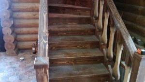 Уборка дома после строительства, уборка лестницы от специалистов компании Clean House.