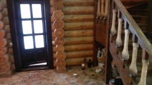 Уборка дома после ремонта. Мытье лестницы специалистами клининговой компании CleanHouse