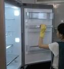 Домработница, мытье холодильника от компании CleanHouse