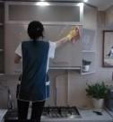 Домработница, уборка кухнных шкафов снаружи от компании CleanHouse