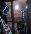 Уборка дома после строительства, удаление пыли со стен от специалистов компании Clean House.