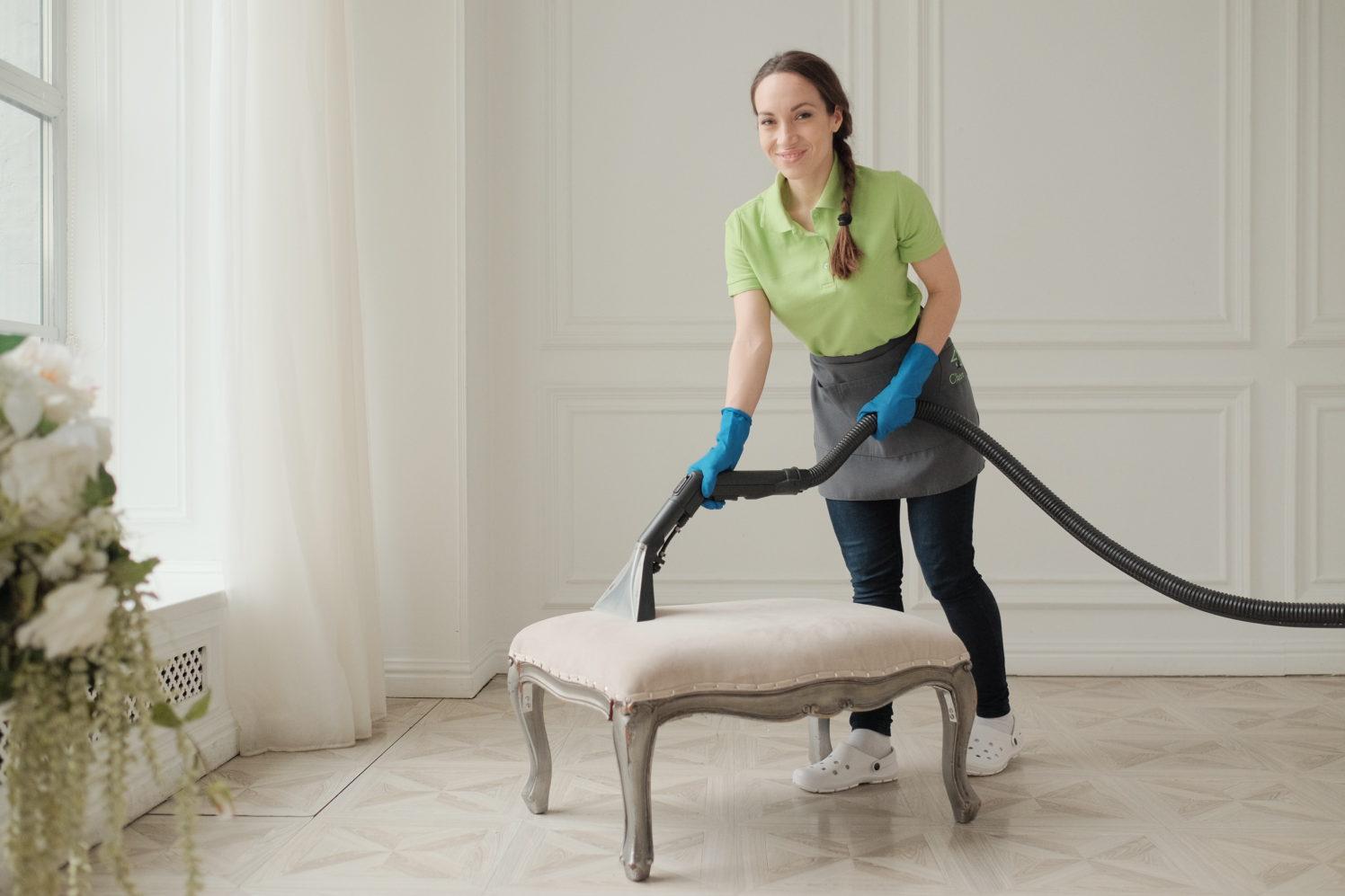 Химчистка дивана от специалистов Clean House