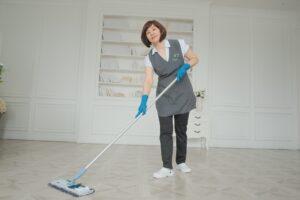 Постоянный клиент получает скидку на 20 процентов от клининговой компании Clean House